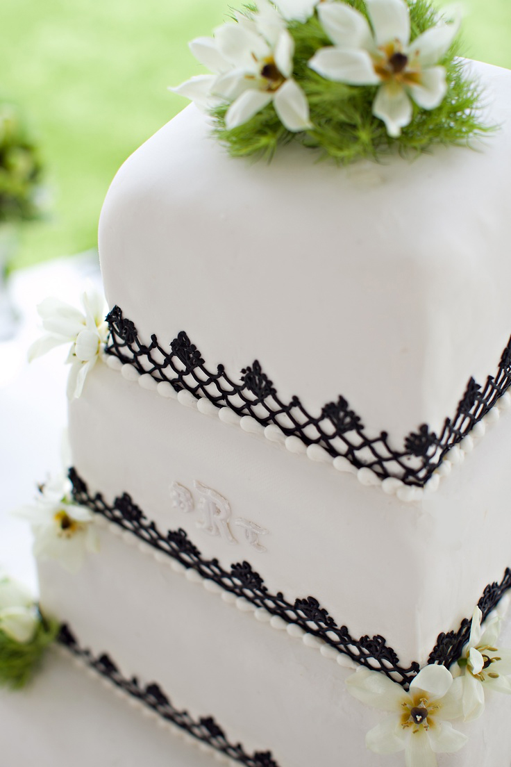 EWT-Cake-Shaeffer-wedding-Zoe-Grant